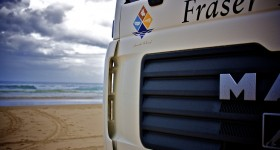 4WD-ing on Fraser Island - Image from flickr user EmBe79